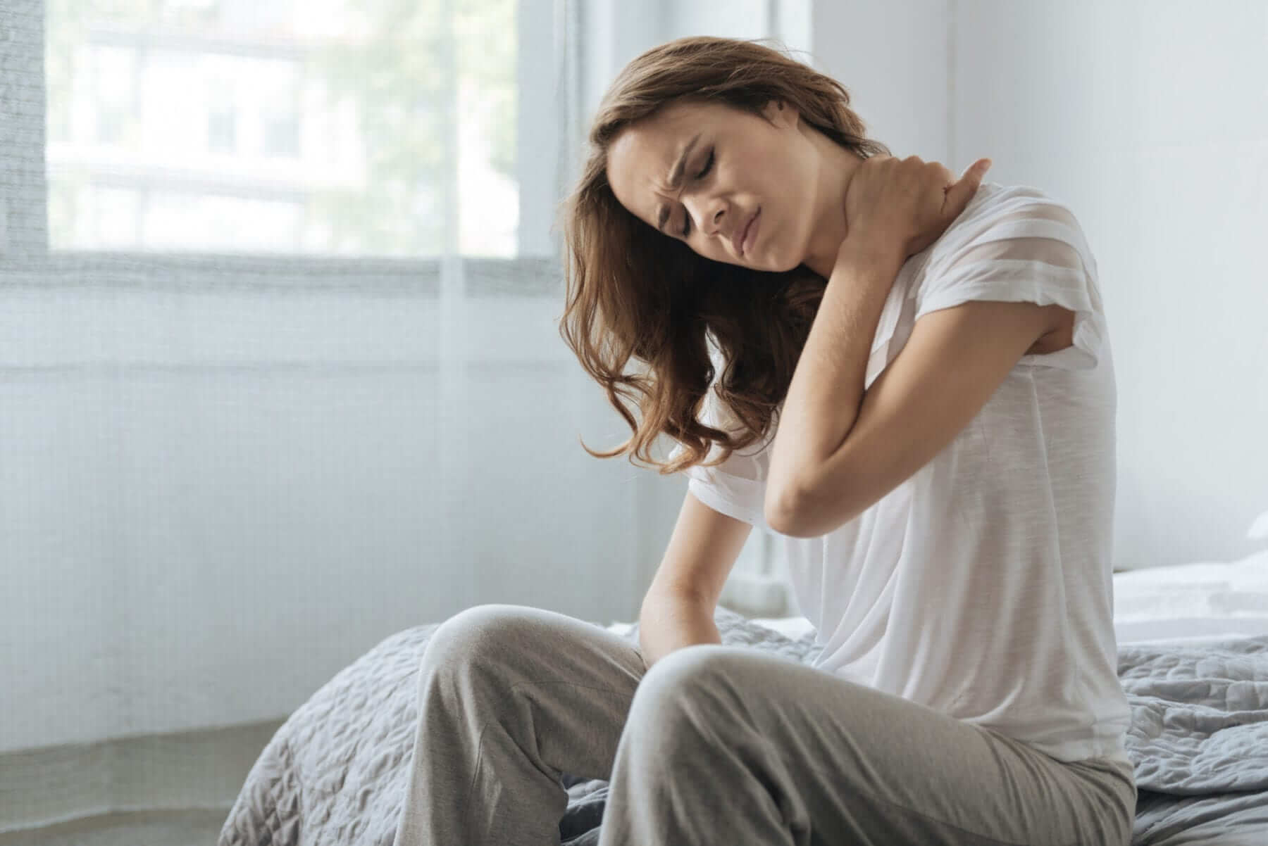best sleep position for neck pain